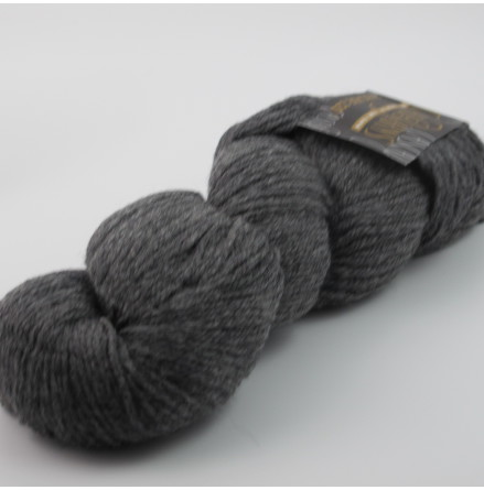 Cascade 220 Heathers, 8400 Charcoal Grey